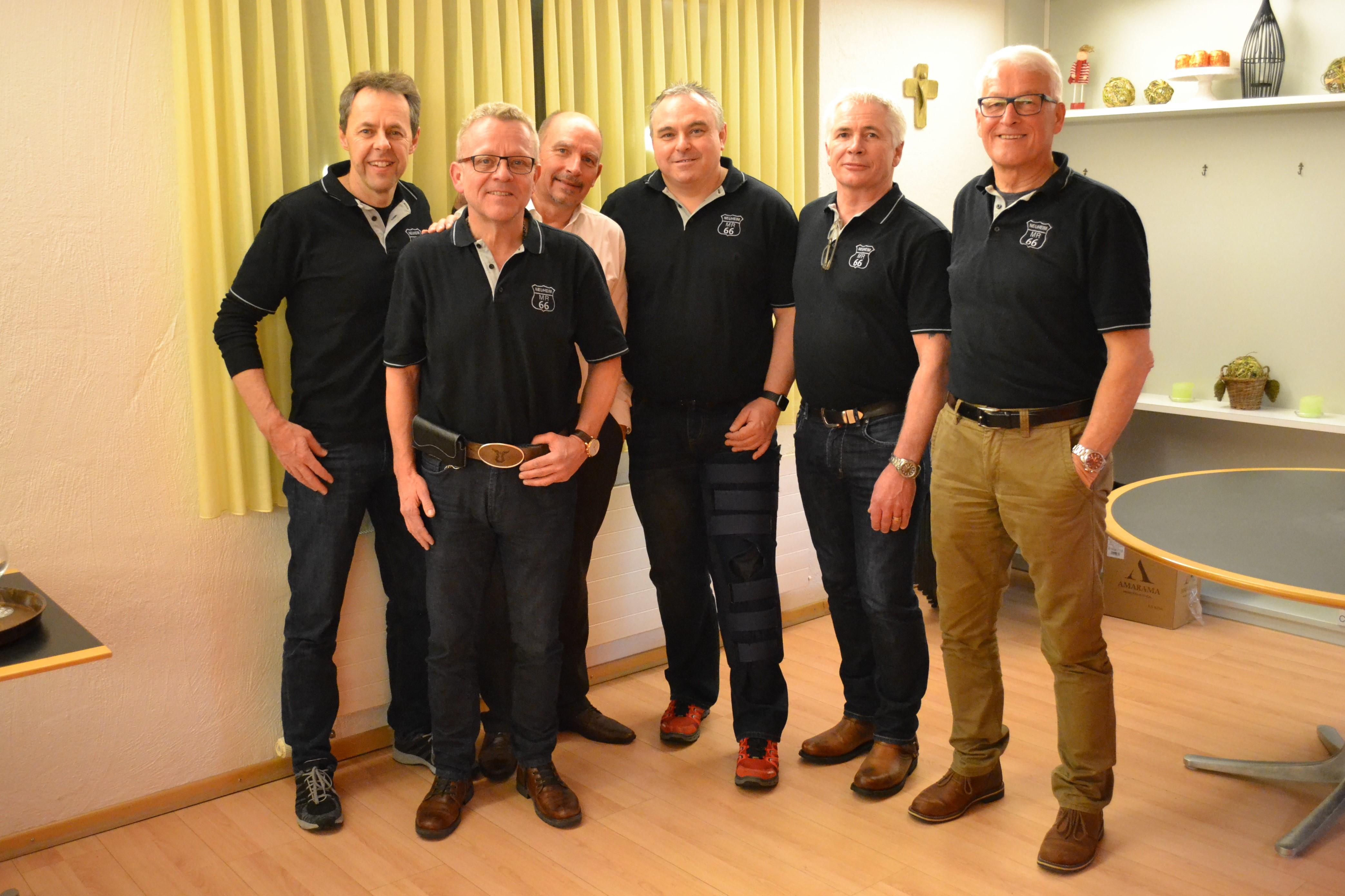 Vorstand der Männerriege Neuheim (v.l.): Harald Hirzel (Vizepräsident), Sepp Greter (Vizepräsident), Erhard Grosser (Kassier), Adi Feuchter (Präsident), Robert Halter (Beisitzer), Hugo Holdener (Aktuar und Sport)